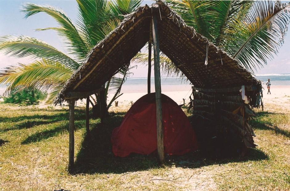 Camping à Antanjokatafana, Madagascar (octobre 2006)